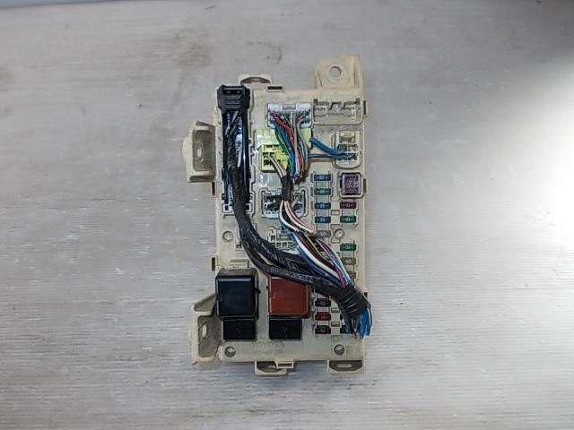 8273028050 used fuse box toyota noah ta azr60g be forward auto fuse box toyota noah ta azr60g