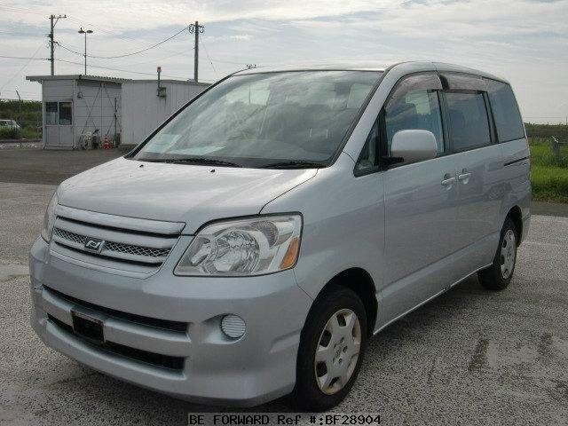 Used 2004 Toyota Noah Yy  Cba-azr60g For Sale Bf28904