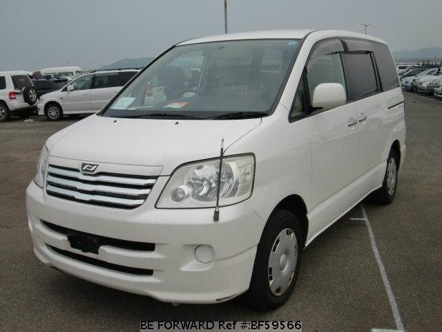 Used 2003 TOYOTA NOAH BF59566 for Sale