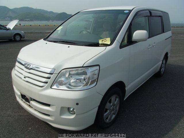 Used 2004 TOYOTA NOAH BF64412 for Sale