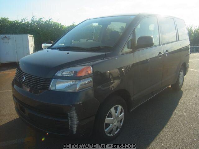 Used 2003 TOYOTA VOXY BF68209 for Sale