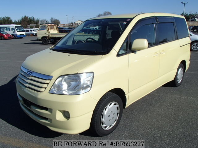 Used 2002 TOYOTA NOAH BF593227 for Sale