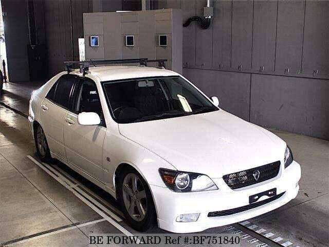 TOYOTA / Altezza (GF-SXE10)