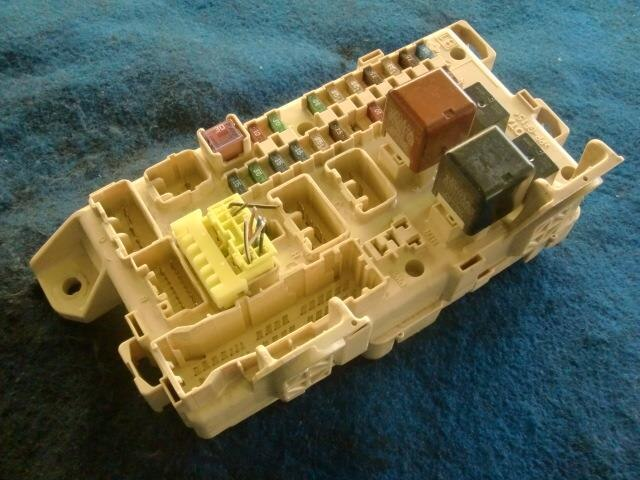 used fuse box toyota voxy ta azr60g be forward auto parts rh autoparts beforward jp Toyota Voxy Interior Toyota Voxy Noah Review