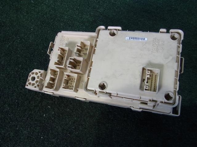 used fuse box toyota voxy ta azr60g be forward auto parts rh autoparts beforward jp Bangladeshi Car Toyota Voxy Bangladeshi Car Toyota Voxy