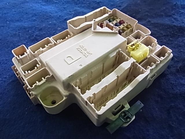 used fuse box toyota mark ii ta jzx110 be forward auto parts rh autoparts beforward jp 2015 Toyota 4Runner Fuse Box 2002 Toyota Tacoma Fuse Box