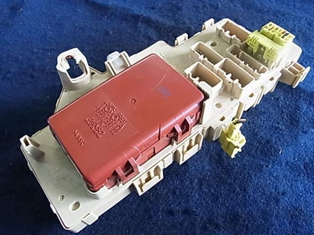 used fuse box toyota mark ii 1999 gf jzx100 8922122100 be forward rh autoparts beforward jp Toyota Fuse Box Diagram 2002 Toyota Tacoma Fuse Box