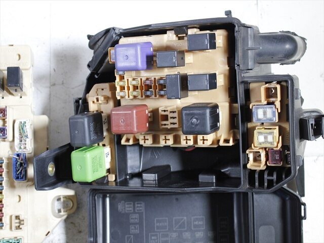 used fuse box toyota mark ii gf gx100 be forward auto parts rh autoparts beforward jp 2015 Toyota 4Runner Fuse Box 2002 Toyota Tacoma Fuse Box