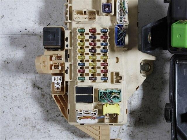 used fuse box toyota mark ii gf gx100 be forward auto parts rh autoparts beforward jp 2009 Toyota Yaris Fuse Box Toyota Camry Fuse Box