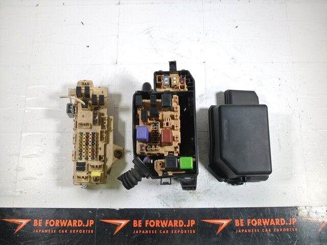 used fuse box toyota mark ii gf gx100 be forward auto parts rh autoparts beforward jp 2009 Toyota Yaris Fuse Box Corolla Fuse Box
