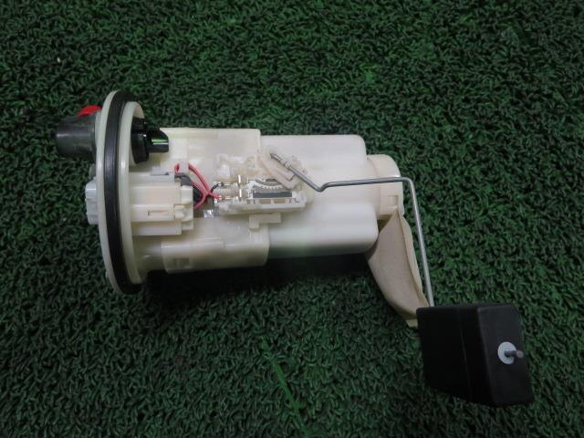 Used]Fuel Pump DAIHATSU Hijet LE-S330V - BE FORWARD Auto Parts on fuel line diagram, front end assembly diagram, rear suspension diagram, fuel regulator diagram, fuse box diagram, carburetor diagram, fuel tank diagram, fuel pumps aeromotive 340 hp, fuel system diagram, camshaft diagram, ignition coil diagram,