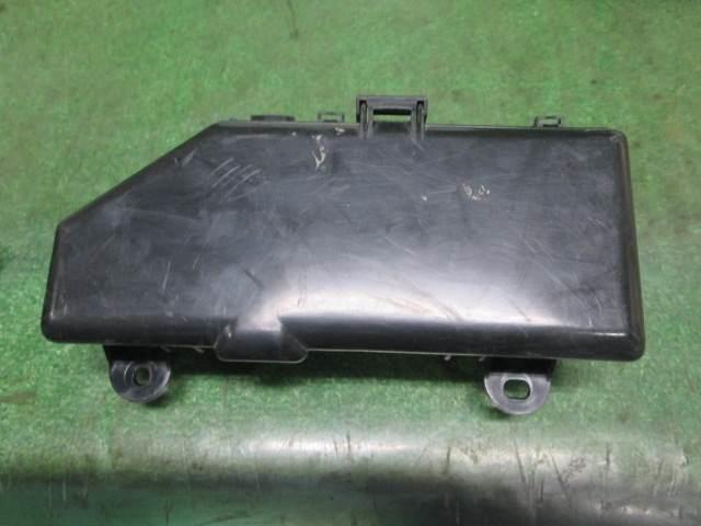 Used]Fuse Box TOYOTA Hiace 1996 KC-LH119V - BE FORWARD Auto Parts