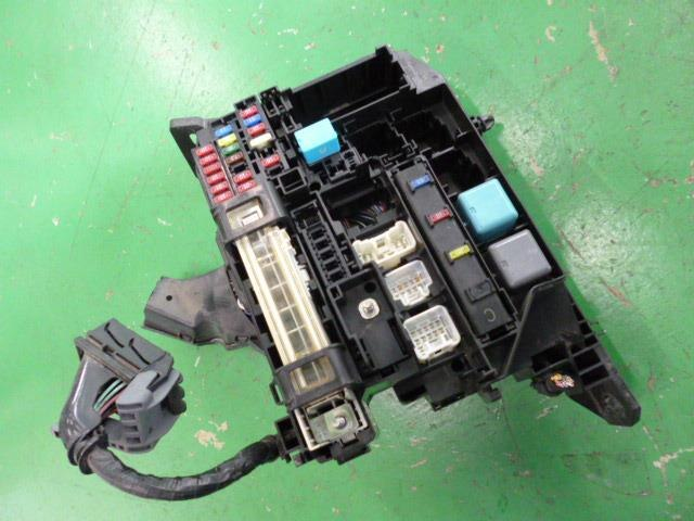 used fuse box toyota premio dba nzt260 be forward auto parts rh autoparts beforward jp toyota allion 2008 fuse box toyota allion fuse box location