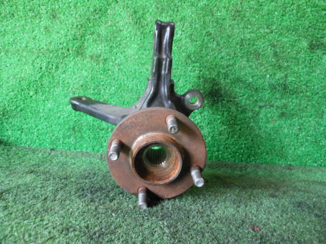 Used]Front Right Knuckle Hub Assembly NISSAN Ad UB-VFY11