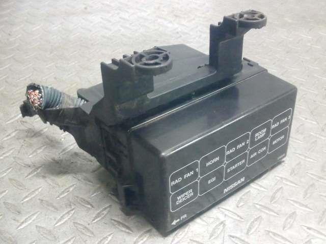 PA01773420_32231c used]fuse box nissan serena 2003 ua tnc24 be forward auto parts
