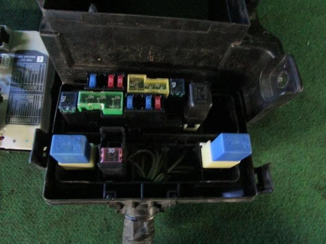 PA01812531_125179 used]fuse box nissan serena 2007 dba c25 be forward auto parts