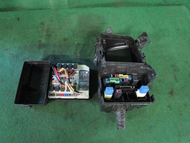 PA01812531_c748cd used]fuse box nissan serena 2007 dba c25 be forward auto parts
