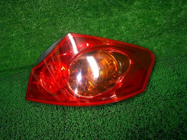 Used]Right Tail Light NISSAN Skyline DBA-V36 26550JK00C - BE