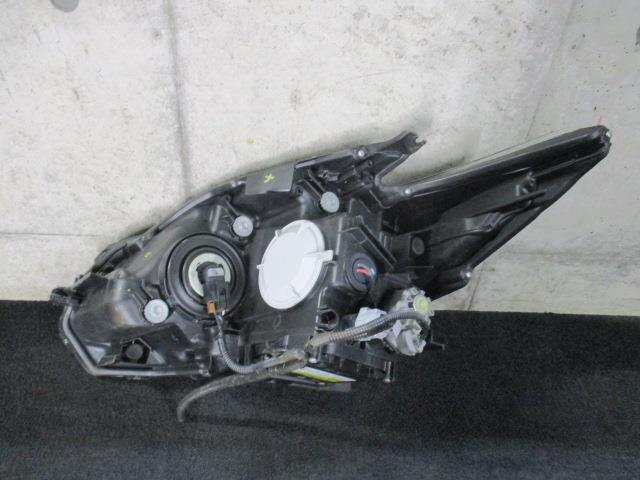 [Used][used goods]   Prius ZVW30 Right Light Xenon Amplifier [15167332]