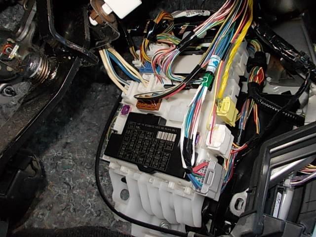 fuse box suzuki swift 2012 dba-zc72s
