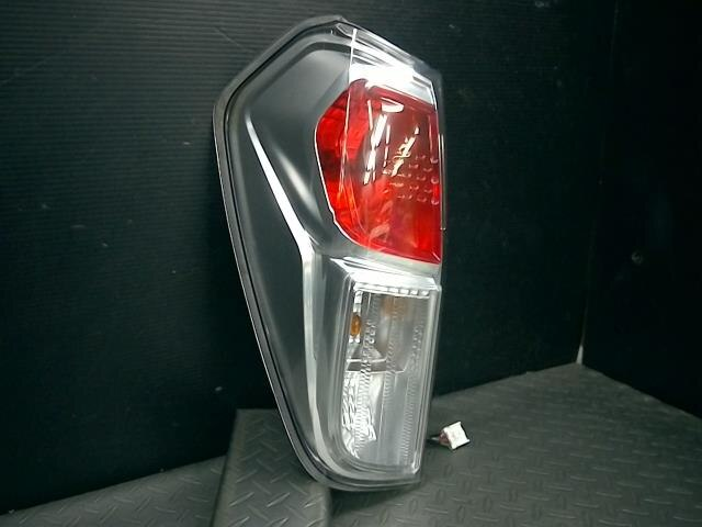[Used]Left Tail Light NISSAN Dayz roox 2014 B32A 265556A02D