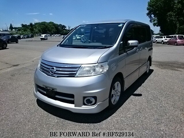 nissan serena urban selection