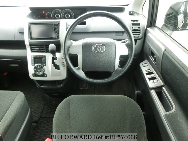 used 2012 toyota voxy x dba zrr70g for sale bf574666 be forward