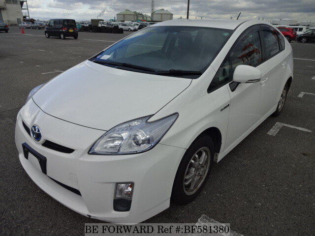 2011 toyota prius daa zvw30 d 39 occasion en promotion bf581380 be forward. Black Bedroom Furniture Sets. Home Design Ideas