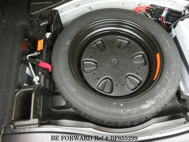 Mercedes e350 spare tire location mercedes e350 parking for Mercedes benz tire replacement
