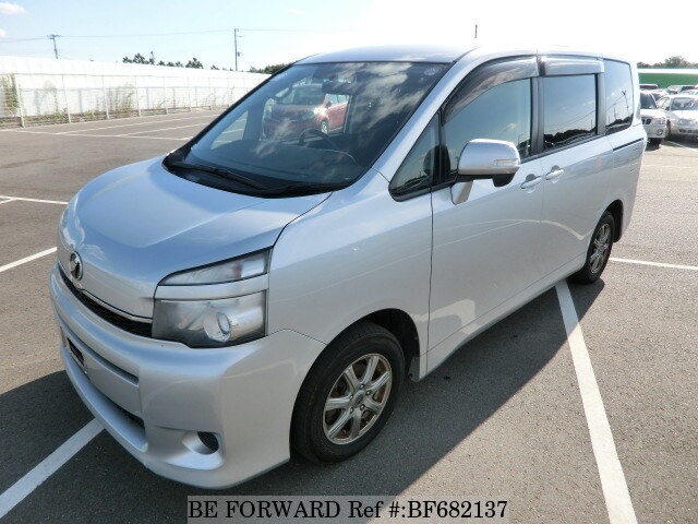 Used 2010 toyota voxydba zrr70g for sale bf682137 be forward used 2010 toyota voxy bf682137 for sale fandeluxe Image collections
