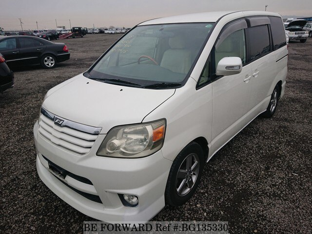 Used 2003 TOYOTA NOAH BG135330 for Sale