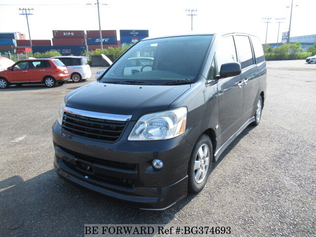 Used 2004 TOYOTA NOAH BG374693 for Sale