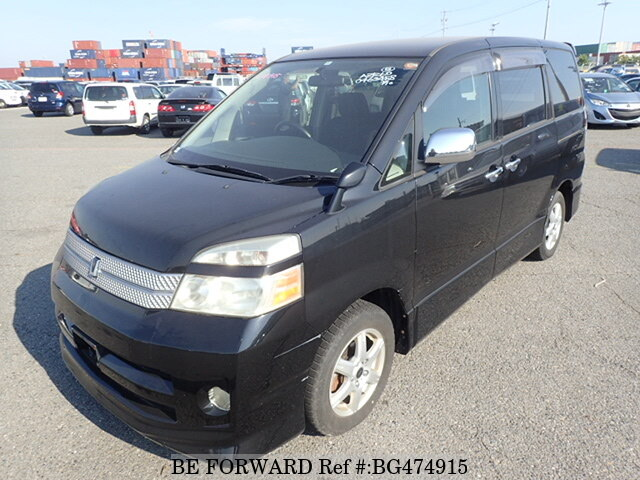 Used 2005 TOYOTA VOXY BG474915 for Sale