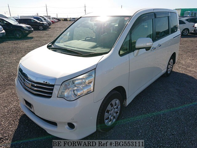 Used 2011 TOYOTA NOAH BG553111 for Sale