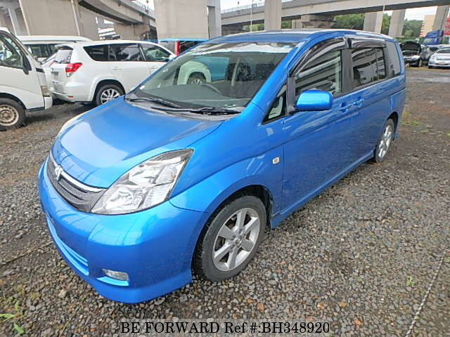 Used 2005 TOYOTA ISIS BH348920 for Sale