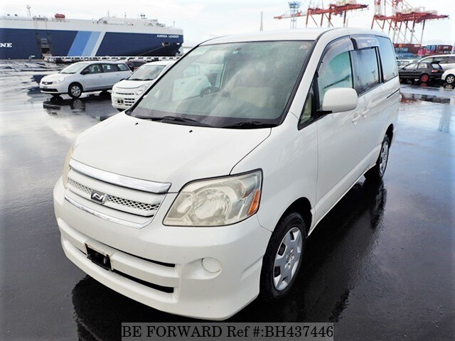 Used 2004 TOYOTA NOAH BH437446 for Sale