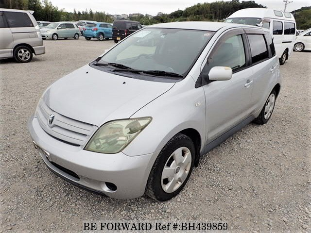 Used 2004 TOYOTA IST BH439859 for Sale