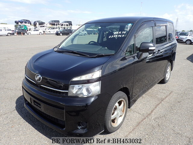Used 2011 TOYOTA VOXY BH453032 for Sale