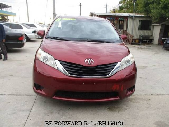 Used 2011 TOYOTA SIENNA BH456121 for Sale