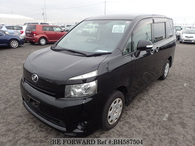 Used 2009 TOYOTA VOXY BH587504 for Sale