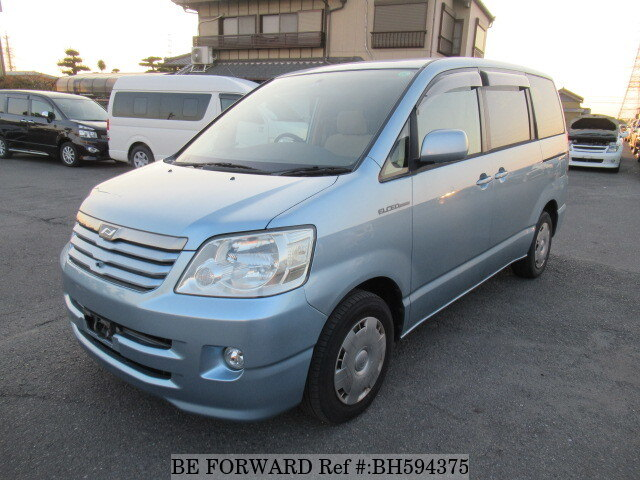 Used 2004 TOYOTA NOAH BH594375 for Sale