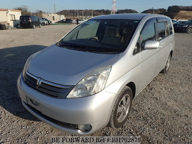 Used 2005 TOYOTA ISIS BH702879 for Sale