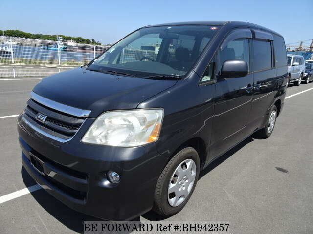 Used 2004 TOYOTA NOAH BH942357 for Sale