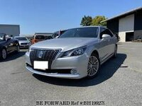 2013 TOYOTA CROWN MAJESTA