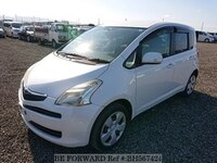 2005 TOYOTA RACTIS X L PACKAGE