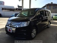 2011 HONDA STEP WGN